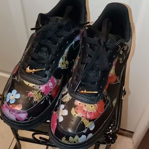 Nike Air Force 1 LXX Floral